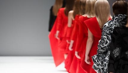 Internazionalizzazione, backshoring e Made in Italy: un'analisi del settore moda e lusso in Italia.